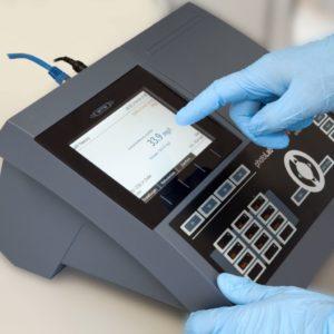 Máy quang phổ phân tích nước để bàn - hiện trường